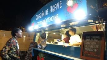 """La última feria de """"foodtrucks"""" fue un abanico de opciones locales e internacionales."""